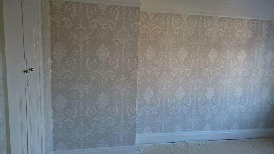 wallpaper-hanging-1