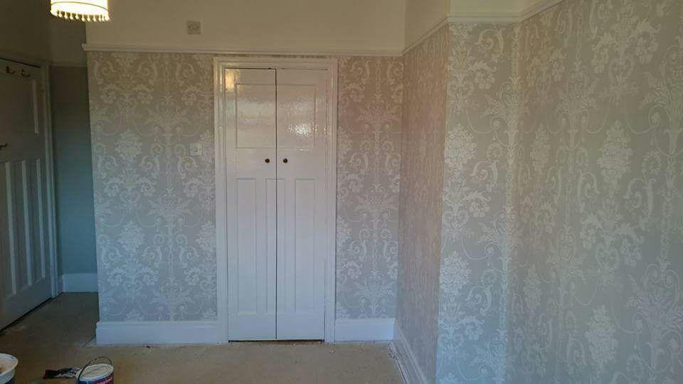 wallpaper-hanging-2