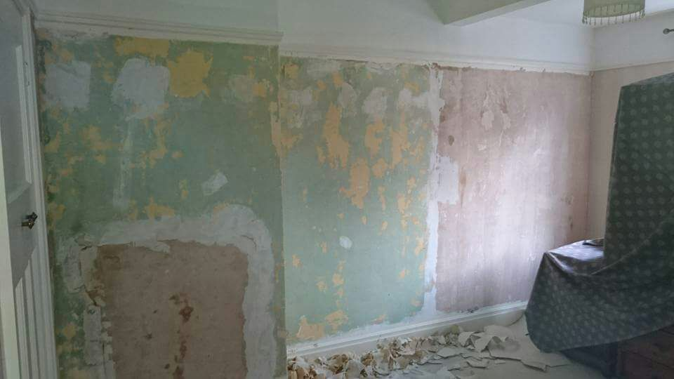 wallpaper-hanging-3